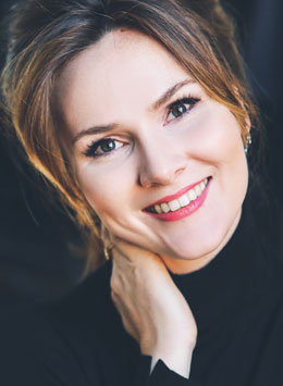 Marta Fontanals-Simmons mezzo-soprano